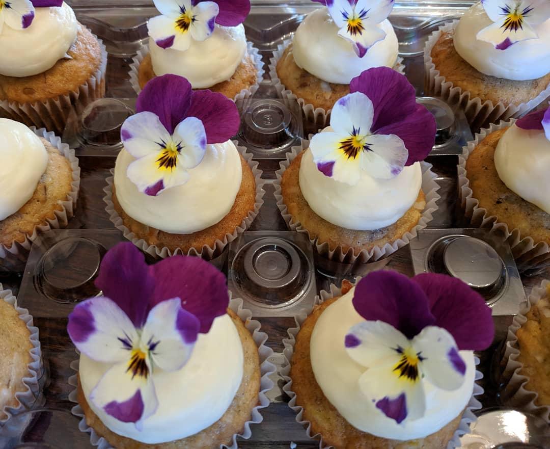 Hummingbird Cupcakes.jpg