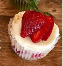 Strawberry+Cheesecake+Cake+Pic.jpg