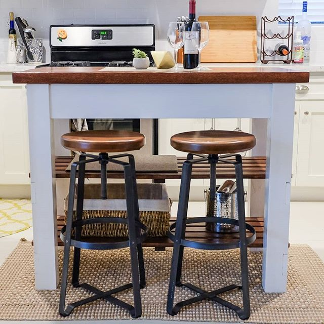 #FBF to my very FIRST ever #woodworking project a few years ago. I guess it's a bit big as a first project, but what the heck right. I needed a kitchen island but couldn't find one that fit, or they were simply just too expensive. So found some plans from @anawhitediy which i think is like the gateway drug for many #diyers 😅 Check out my short blog post on my site in the bio link for more info! . . . #diykitchenisland #kitchenisland #rustickitchen #farmhousekitchen #farmhousekitchenisland #winerack #anawhite #westelm #westelmstyle #ryobination #beerme