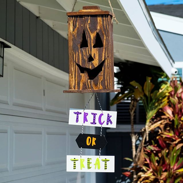 Fun and simple Halloween project I did last year with some scrap wood. All I used was some glue, a #ryobi jig saw and a brad nailer. Then I used #minwax Jacobean stain for the Jack-o-lantern (how fitting right??) Anyone making any #halloweenprojects? . . . #diy #diyideas #diyproject #doityourself #makeityourself #makeityourown #makerlife #makersgonnamake #buildsomething #homemade #handcrafted #woodworker #woodcraft #woodworking #woodworkingcommunity #rockler #rocklerwoodworking #ryobination #ryobipowertools #halloweenproject