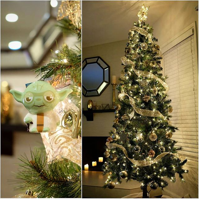 Ready for Christmas Yoda is #christmastree🎄 #christmastimeishere #yoda