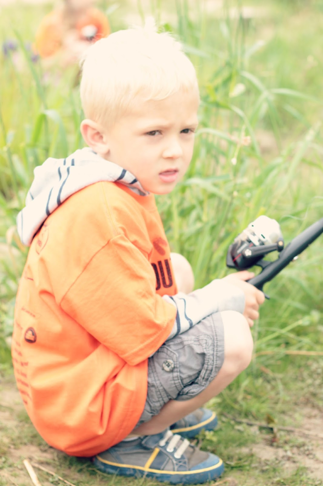 e0595-fishing2b.jpg