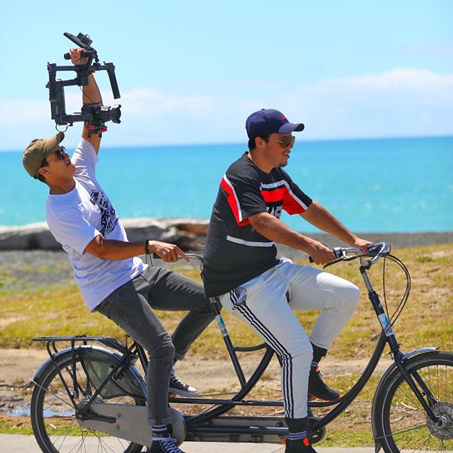 Filming a clip to promote a music video. @tomfrancissound @maxmedianz #ittakestwo #tandem #filming #hawkesbaytrails #creative #thinkingonthespot #lovecycling #fishbiker #bikerental