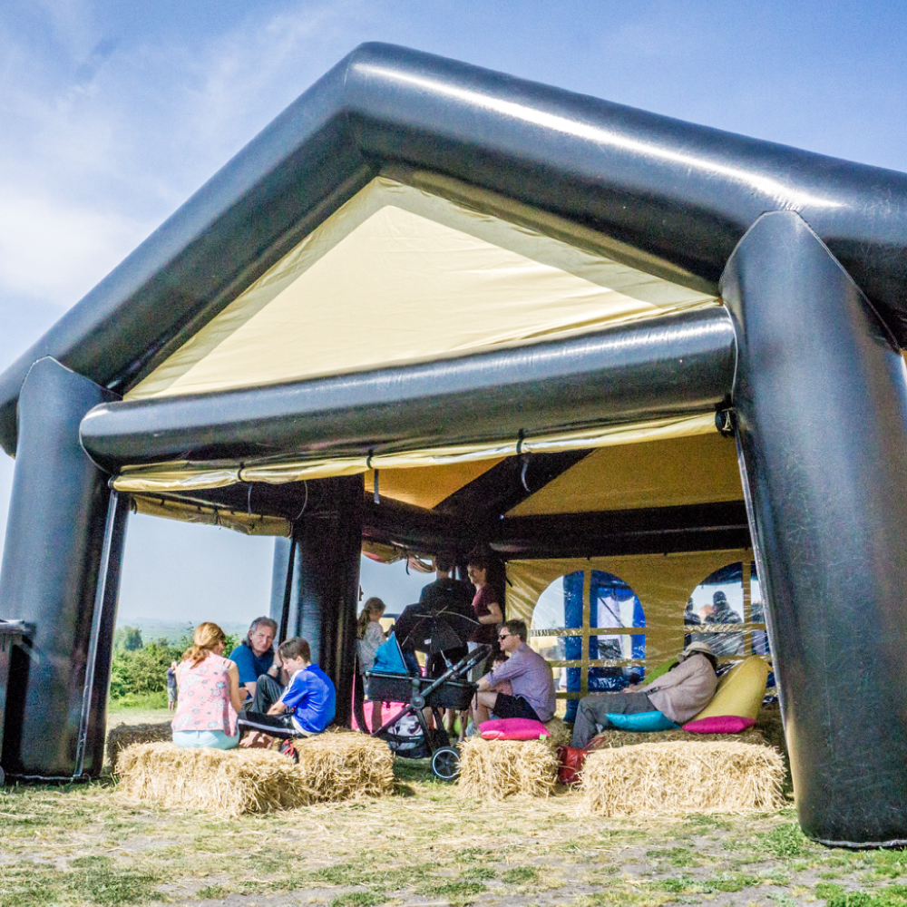 black & gold tent - 300 euro / dag (excl. btw)