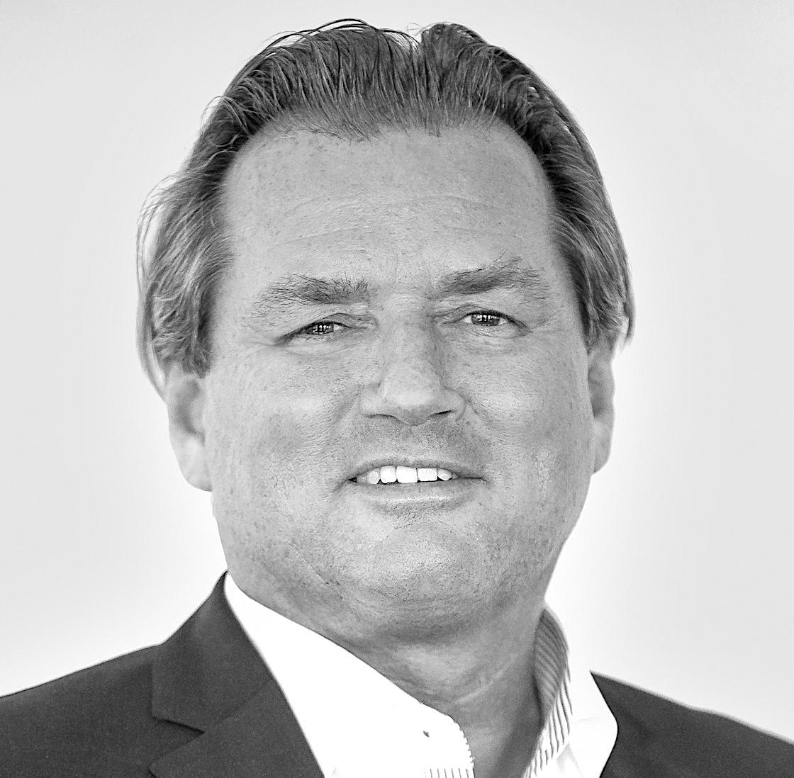 Thomas Reichenauer  Founder & Managing Director T +43 1 236 632 636 2 M +43 664 413 58 91  thomas.reichenauer@ros-management.com