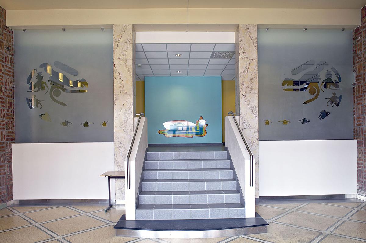 Air   2002 . entrance view