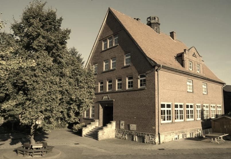 Schule Steinbergen 2.JPG