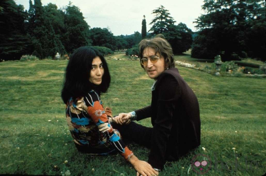 John Lennon and his wife Yoko Ono both underwent primal therapy in 1970. His first post-Beatles album ('John Lennon/Plastic Ono Band') had many songs that were directly affected by his experience in therapy