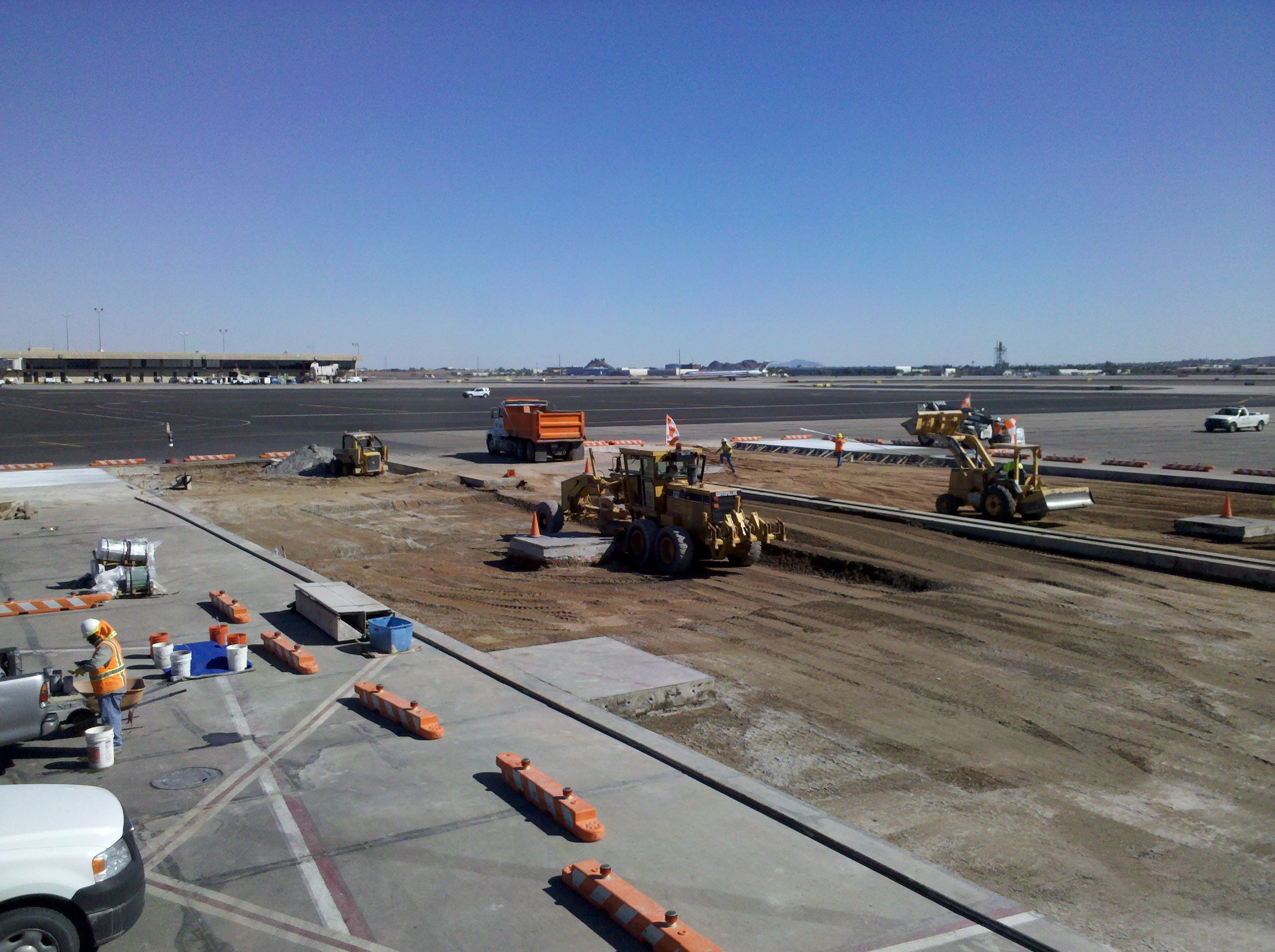 Terminal 2 North Apron Reconstruction Design-Build