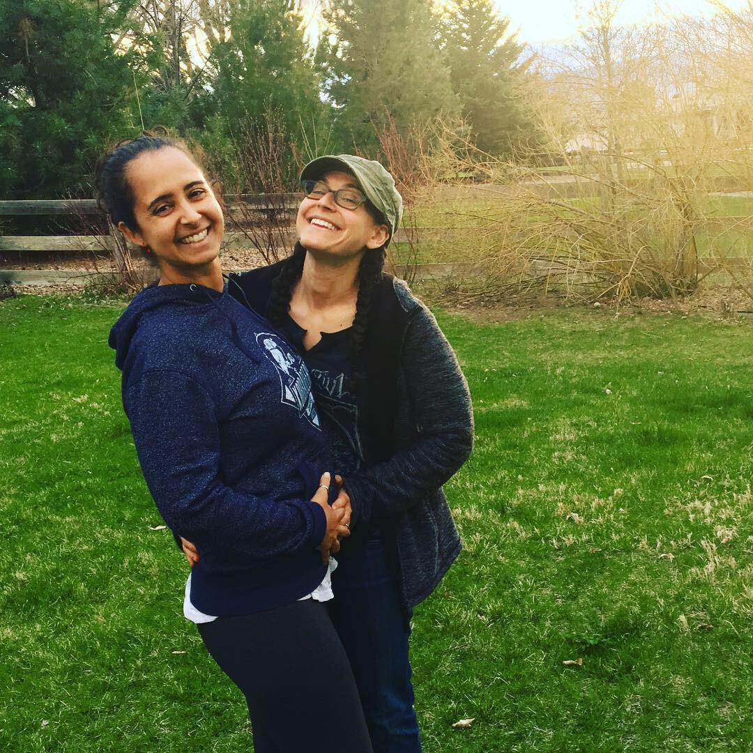 pregnant-lesbian-couple.jpg