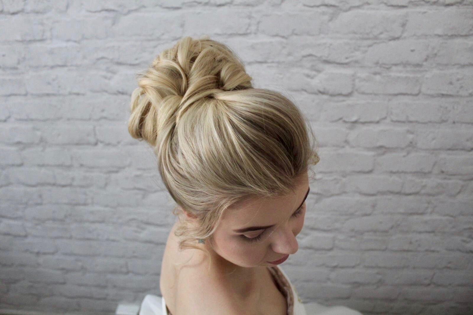 highbunforweddingsupdohairdresser bridal