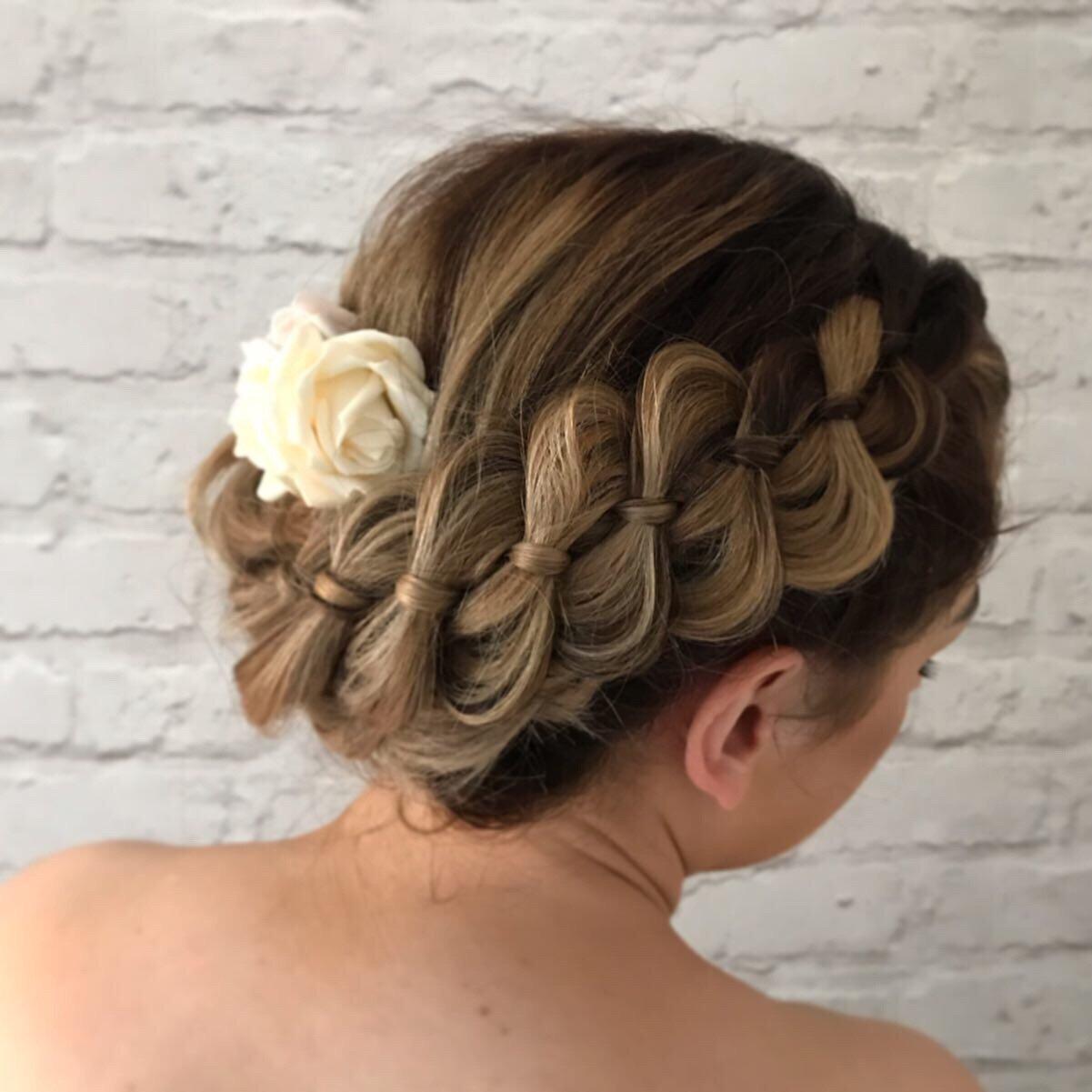 braidsupdoweddinghairstyles plaits