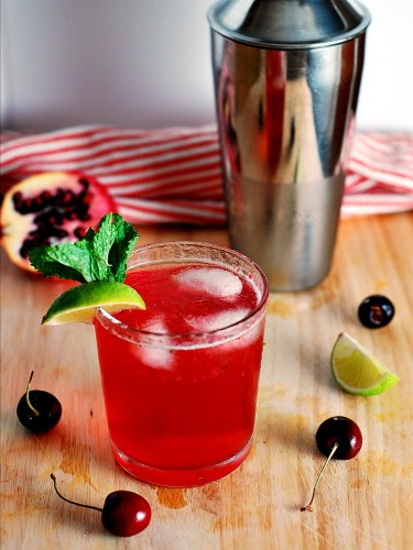 cherry-pomegranate-mojitos-3-375x500.jpg