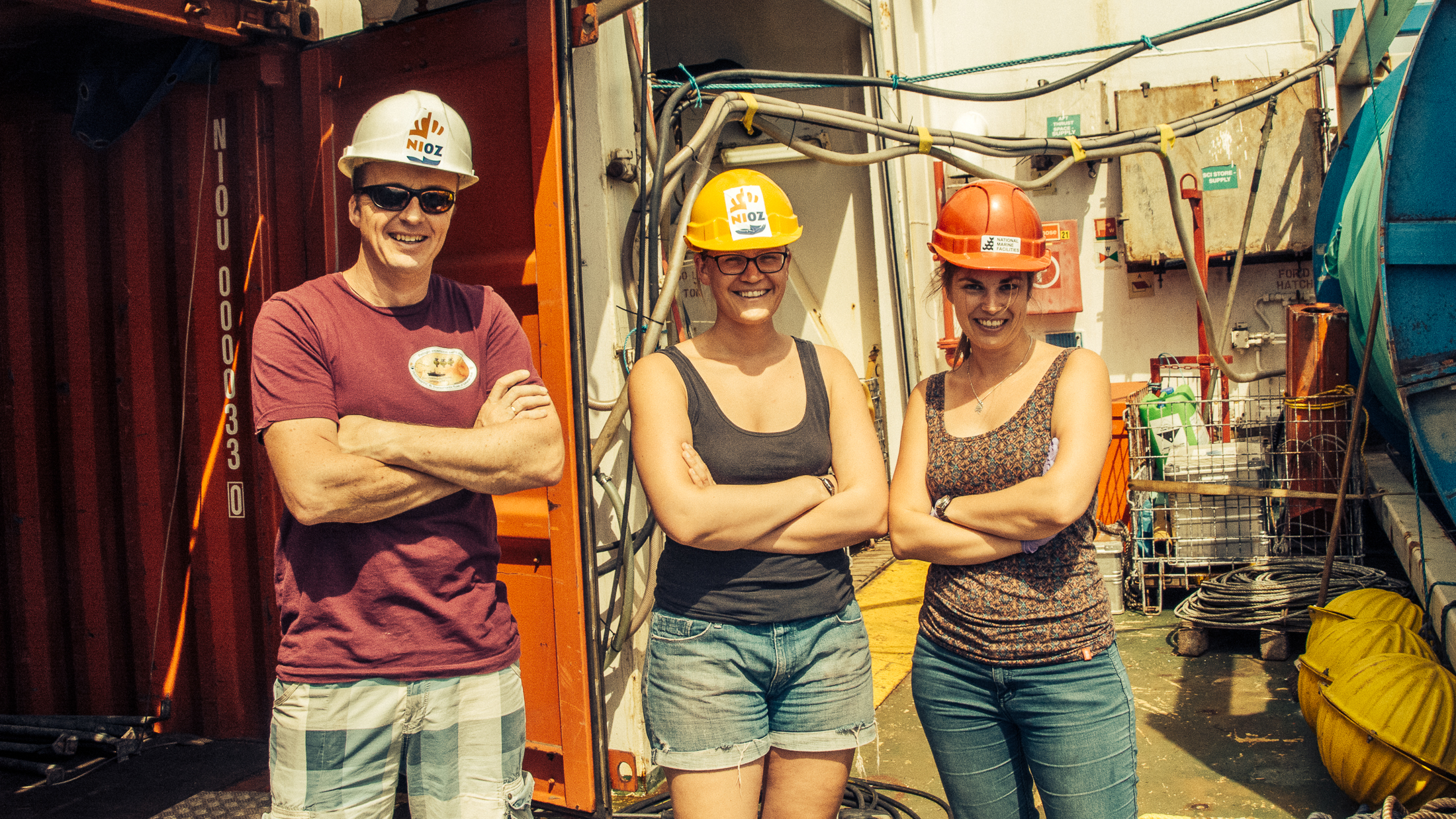 This is Jan-Berend Stuut (left), our chief scientist and the PI of TRAFFIC and DUSTTRAFFIC projects; and Laura Korte (middle) and Michelle van der Does (right), both doing their PhD on material retrieved from the transatlantic array of sediment traps.