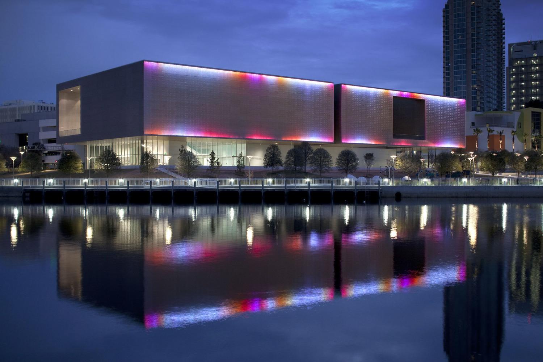 Tampa_Museum_Sky.jpg