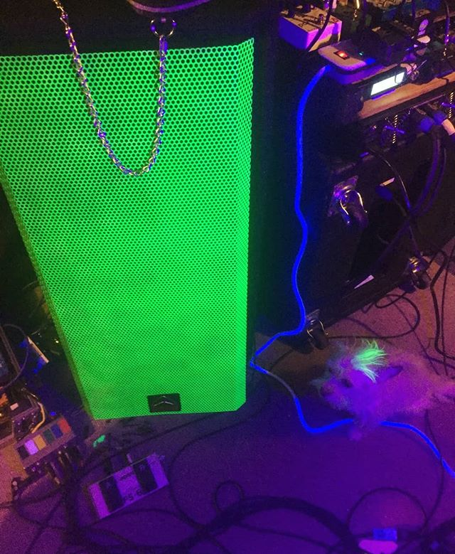 L3V3LED UP 0UR G3@R🔋 GRINDING ON NEW MATERIAL! Polishing up our EP! 🌪🌪🌪🌪🌩 We have a show in Eugene March 23rd at one of our favorite venues @theloraxmanner 🚷🚷🚷