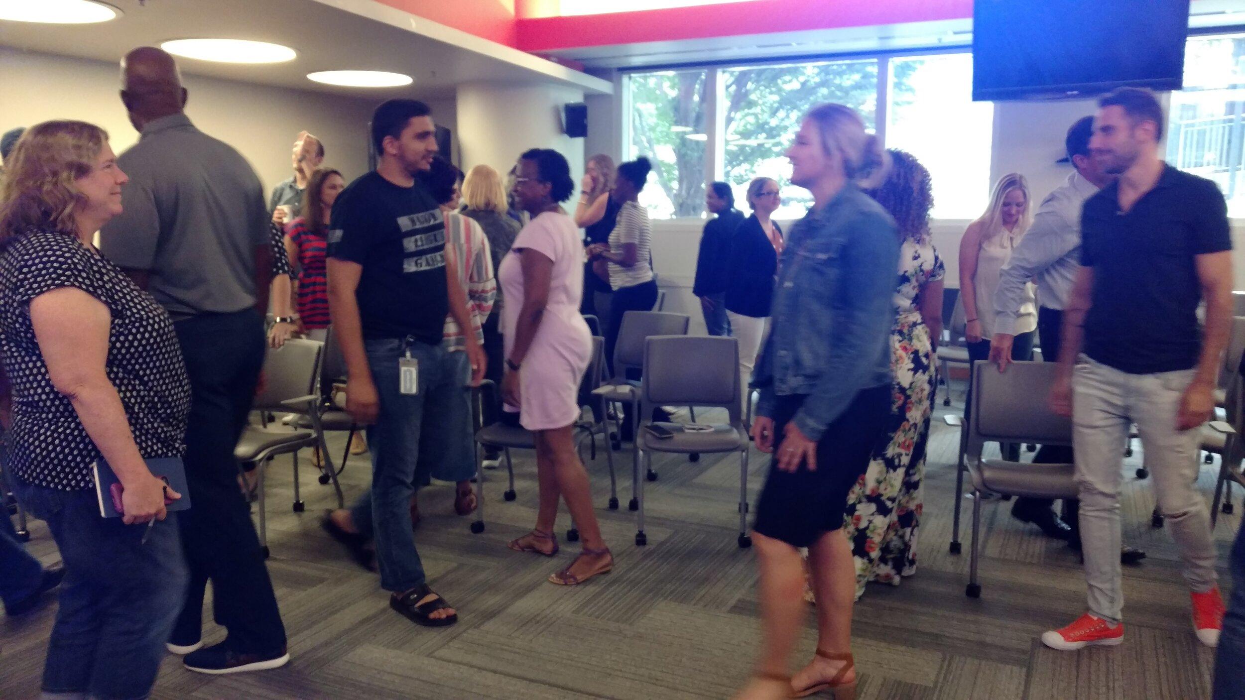 Linda Peck presents Corporate Seminars