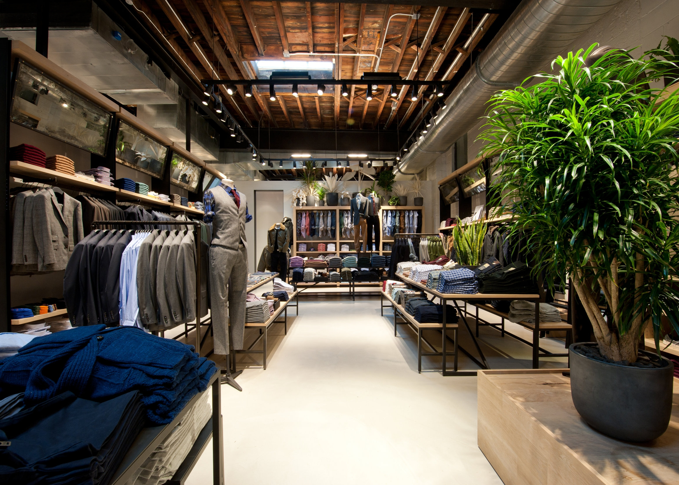 J CREW WILLIAMSBURG -