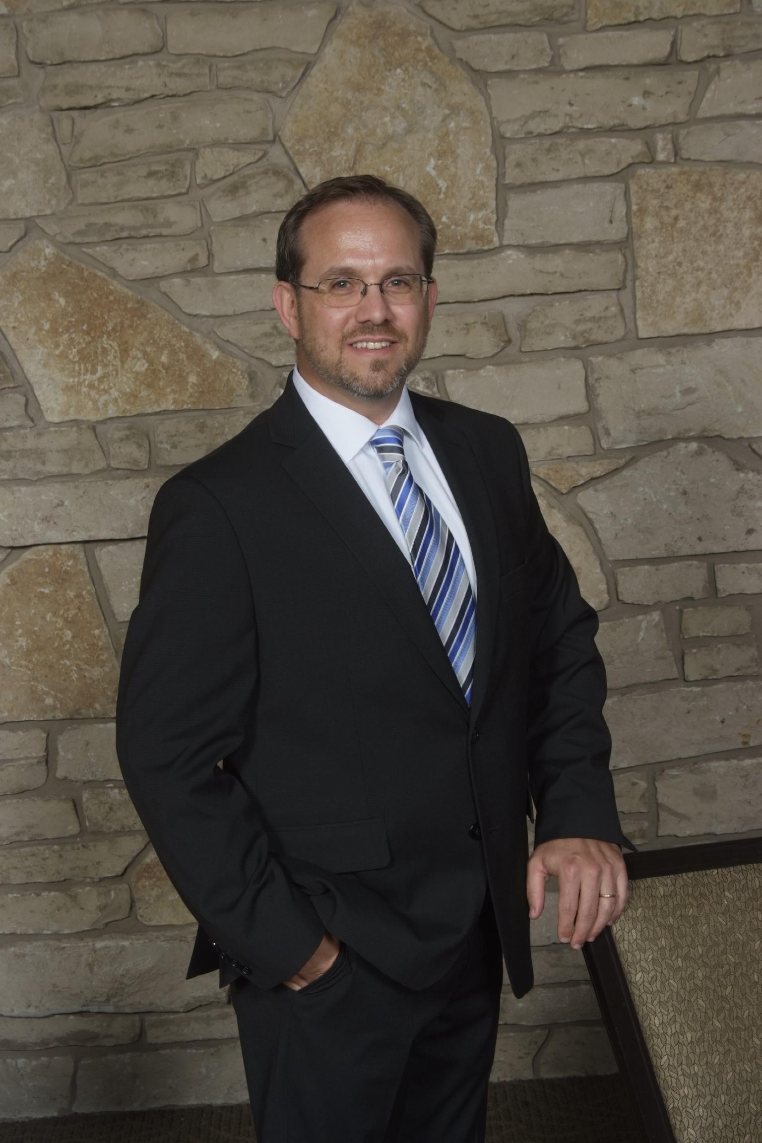 Robert Kraft, MD CMO-Faculty.JPG