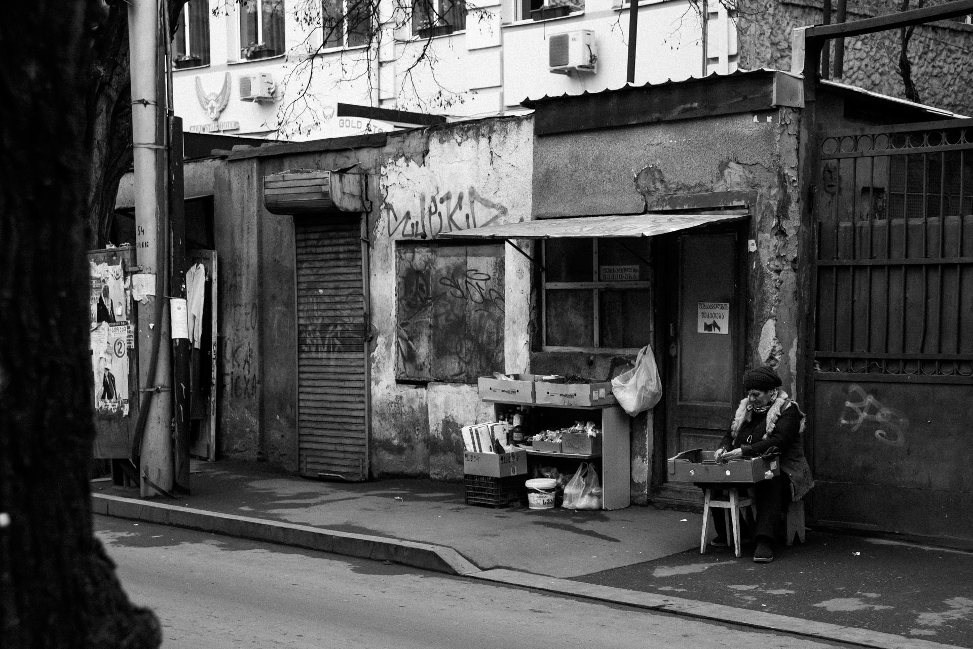 tbilisi-georgia-black-and-white-photography (13).jpg