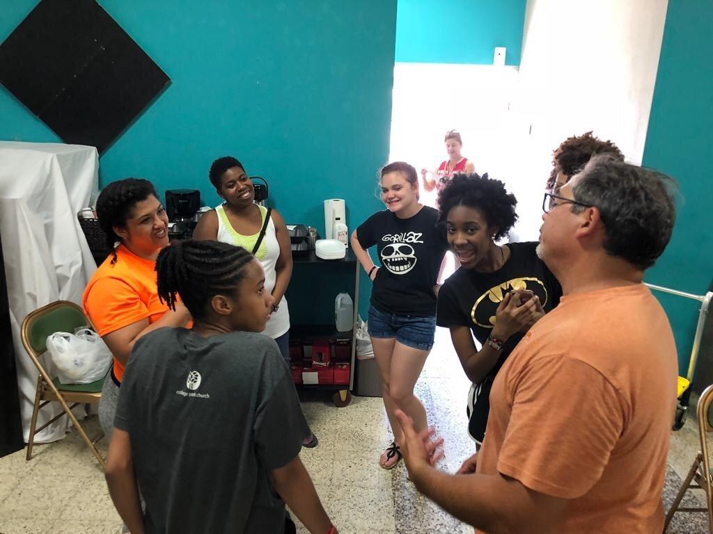 Our legal advisor Luis Padrón working alongside our team of volunteers.