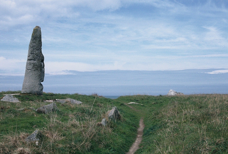 Roscoff big stone 1500.jpg