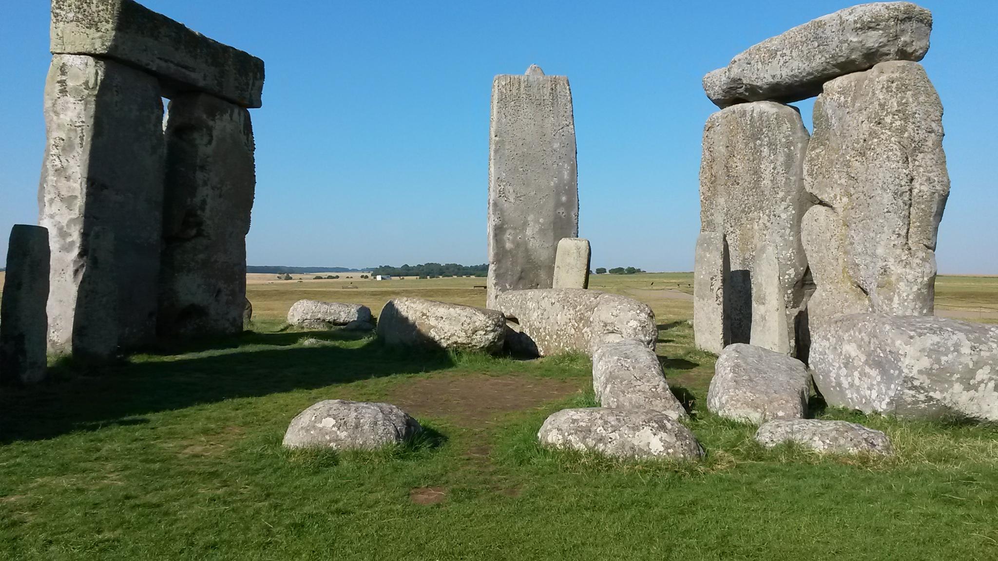 J1- Stonehenge (2).jpg