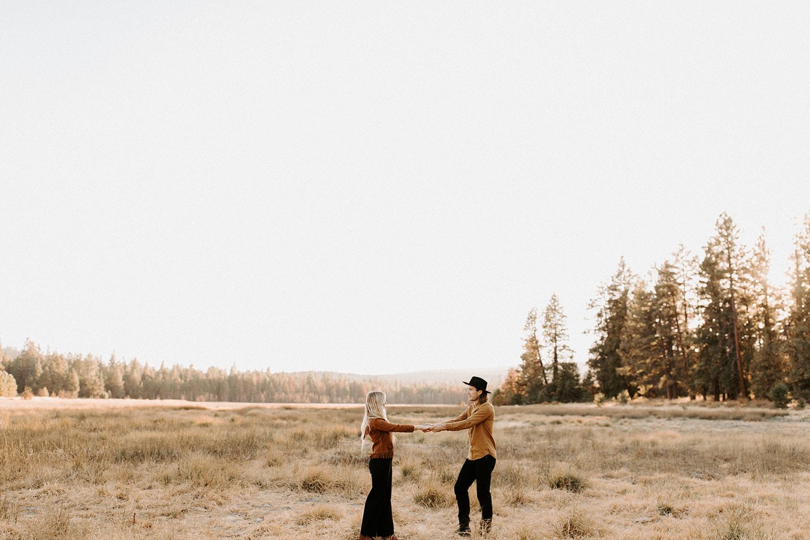 BendOregonCouplesSessionCharlotteandJamesDawnCharlesPhotographer-39.jpg