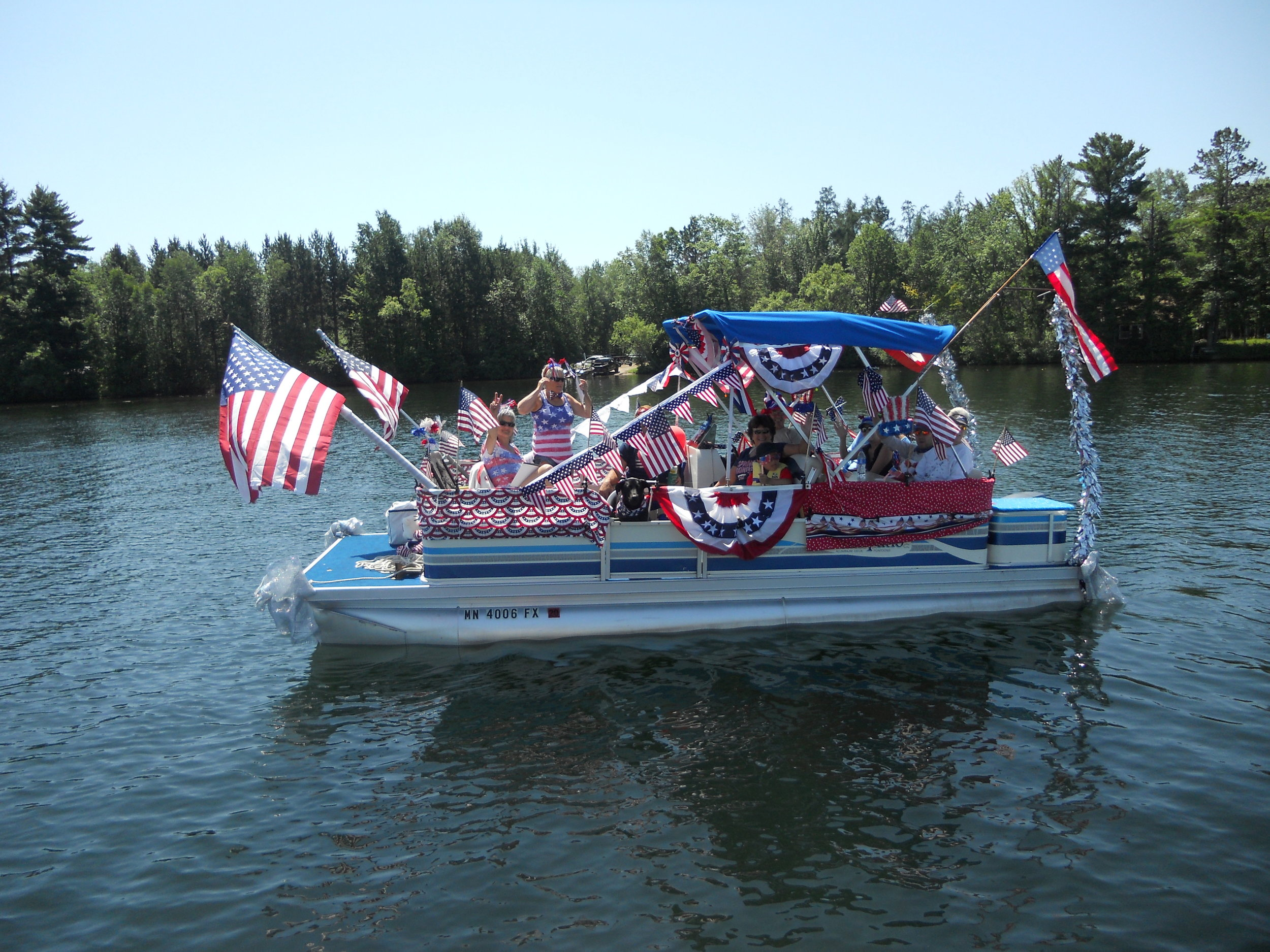 Pontoon – Decker/Sanford – Lot 123 The Red, White and Blue