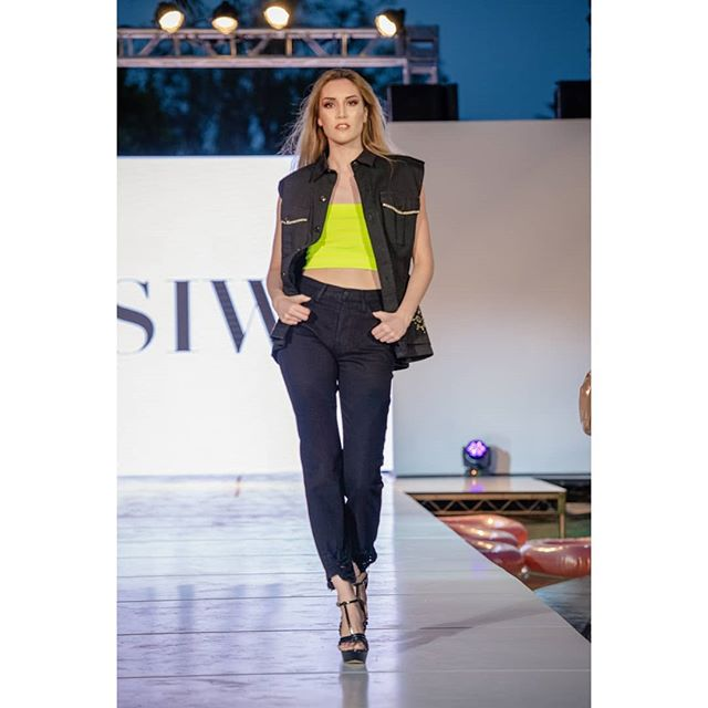 SIWY DENIM 💕 Thank you for slaying this Runway 🖤  Photographer: Michael Chu Models: @samanthababasa,  Hair/Make up: . . . . . #slay#runway#fashion#runwaymodel#potd#instalove#catwalk#models#palmsprings#calimodel#modelagency#denim#siwydenim#fashionshow