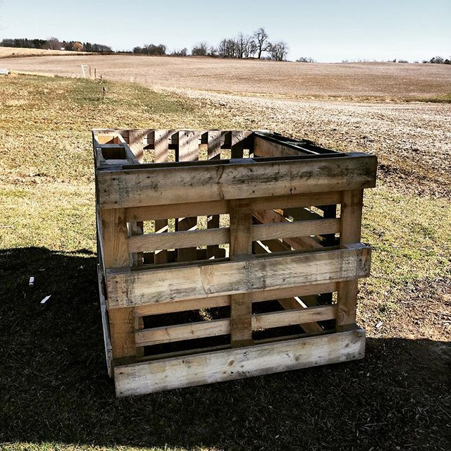 What better way to celebrate Earth Day than to build a composter!  #earthday2018 #composting #recycled  #vintageadulting  #savingmoney #makingfertilizer #chickenpoop
