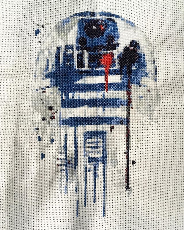 I can finally post my cross stitch water colour of R2D2 commissioned by @laurinwolf  #keeptheartsalive #crossstitch #r2d2 #starwarsart #vintageadulting #fanart #watercolourart #workfromtheheart