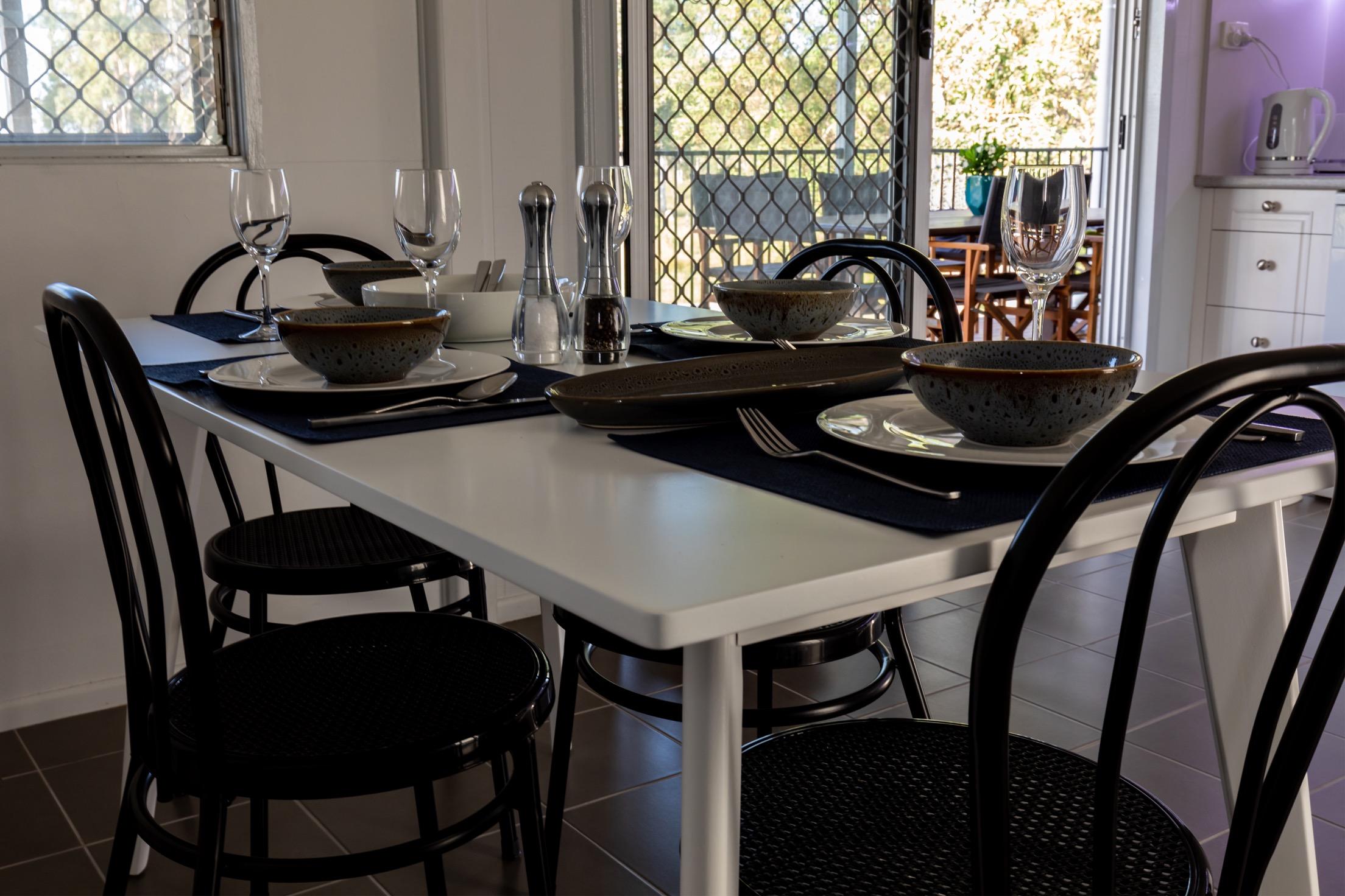 Dinning table.JPG
