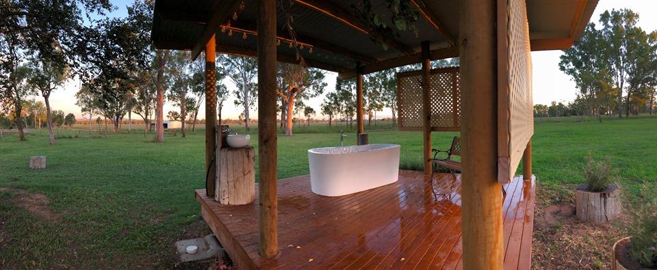 wide bath.jpg