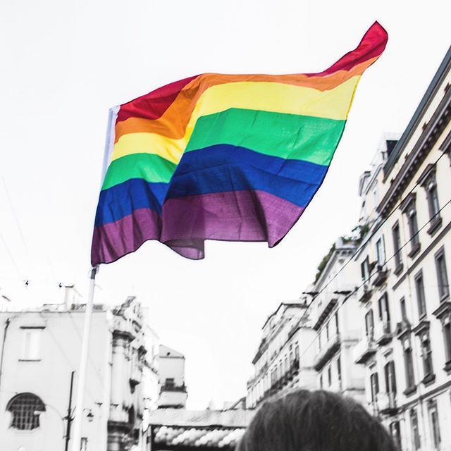 love is love is love is love, period. wishing you a happy pride month! ⠀⠀⠀⠀⠀⠀⠀⠀⠀ ❤️🧡💛💚💙💜 -the dose divas . . . . . #pride #pridemonth #happypride #love #loveislove #equality #humanity #freedom #pride🌈 #prideparade #rainbow #rainbows #thedoseco #doseco #dosedivas #drinkdose #doselife #unwind #unwindwithus #destress #relax #reset #recharge #renew #selfcare #plantbased #plantbasedlife #wellness