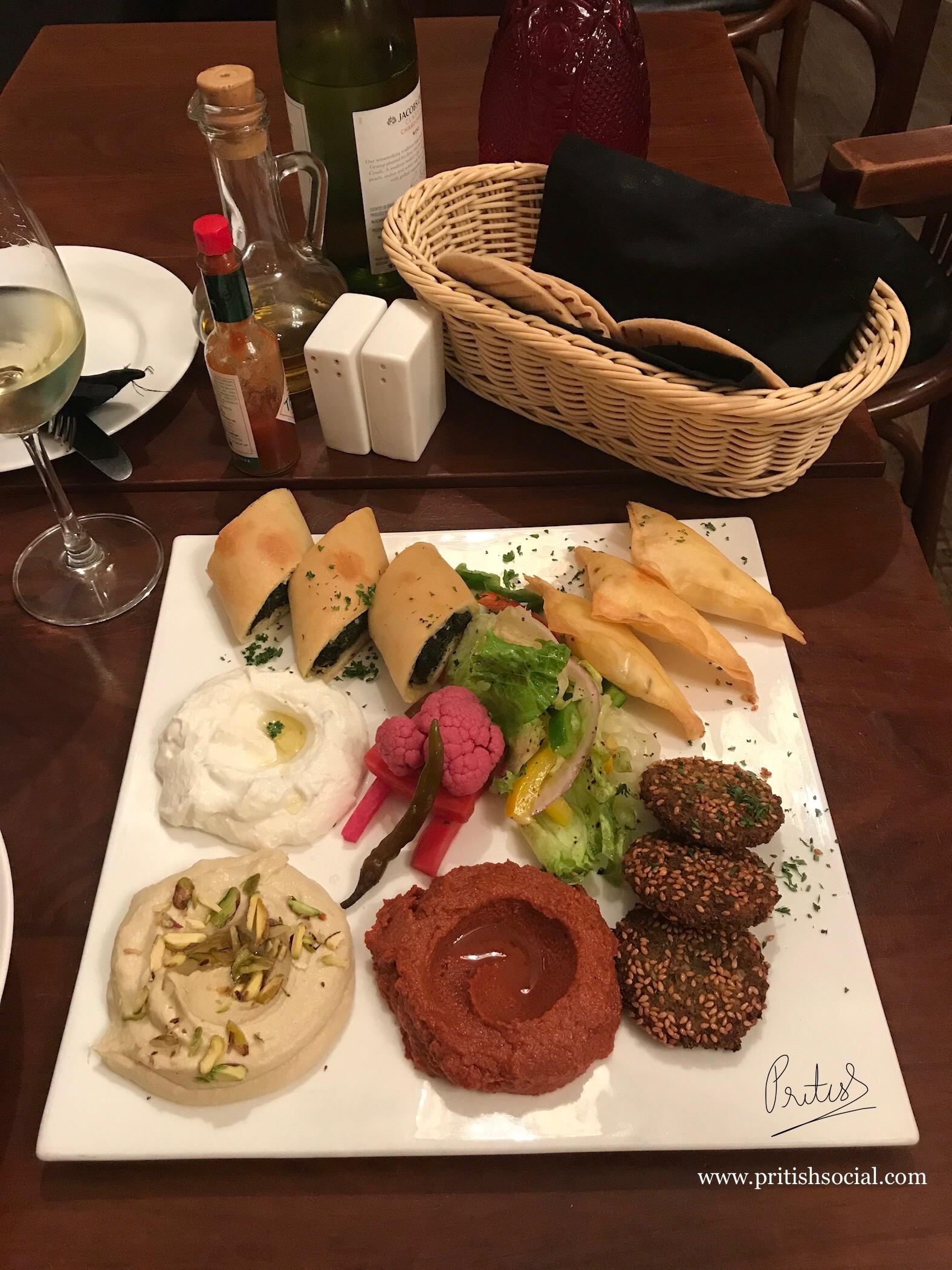 Café Nomad Chandigarh | Best Middle Eastern Restaurant | Mezze Platter | Food Blog | PritishSocial