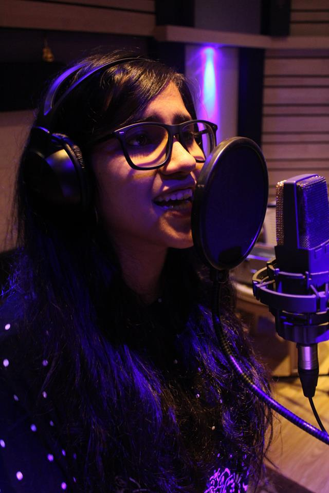 nikhita-gandhi-singer-dentist-pritishsocial.jpg
