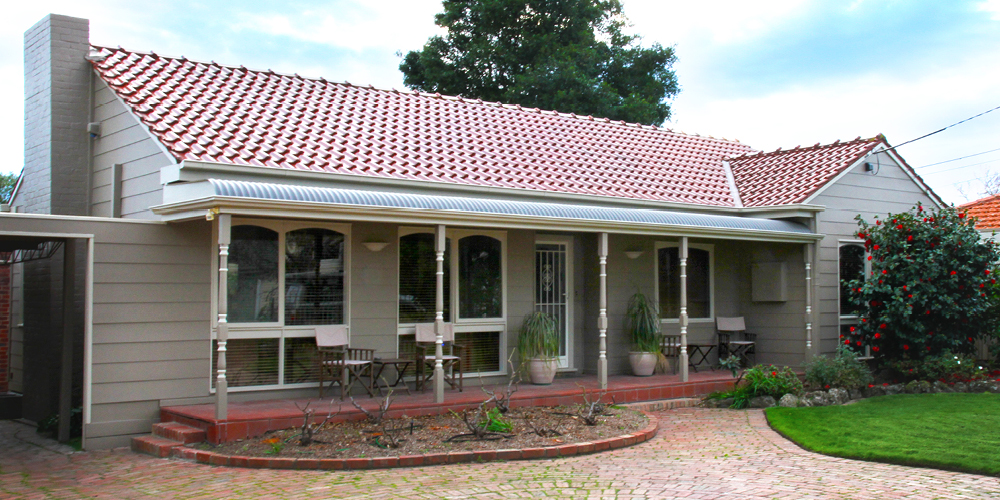 valdemars-house-exterior-painting-sandra-grove-lrg.jpg