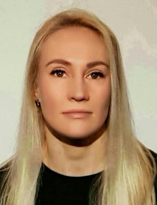 Katja Multamaa - Personal trainerKoulutettu hierojaLue lisää ➝