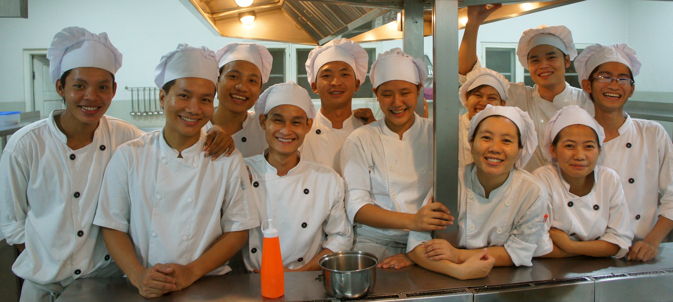 Cooking students team