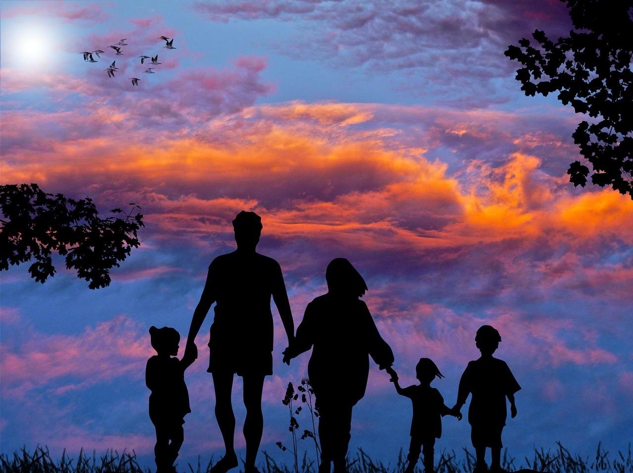 family-1517192_1280.jpg