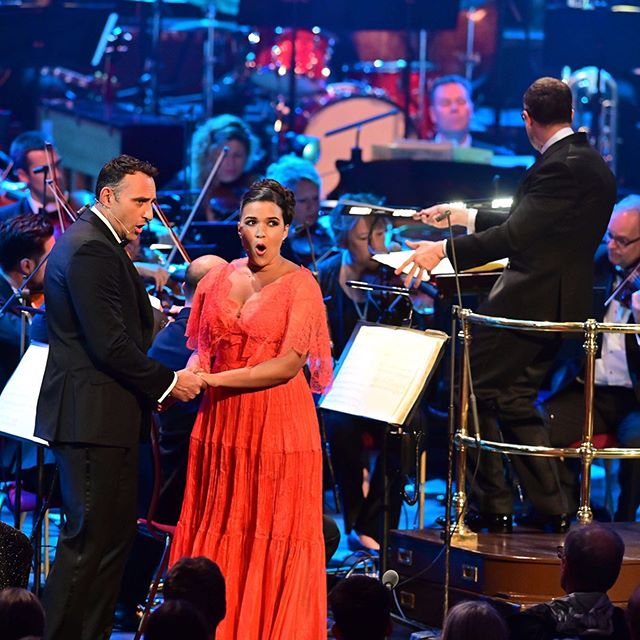 ✨What. A. Night!! ✨ Here are some performance shots from 'Warner Brothers Story' at the @bbc_proms last Friday with the John Wilson Orchestra! 📸: @mark.allan.photos 👗: @marialuciahohan24