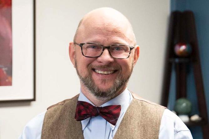 Dr. Ruben Hopwood  Photo by Zencare