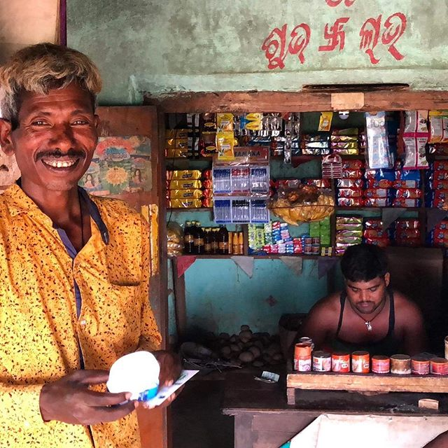 Our unique last-mile distribution model ensures even the most undeserved and excluded customers get access to electricity. • We equip a local entrepreneur (usually a village shop keeper) with one of our solar ATM's. The solar ATM is a solar charging station from where villagers can either rent LED lamps for home use or battery packs to charge their mobile phones.  Customers pay just a small per-use fee while Empower Energy provides all upfront and maintenance costs for the ATM. • We've already set up ATM's in 7 villages in India and are really excited to keep pushing forward with our mission!  #empowerment #solarenergy #india