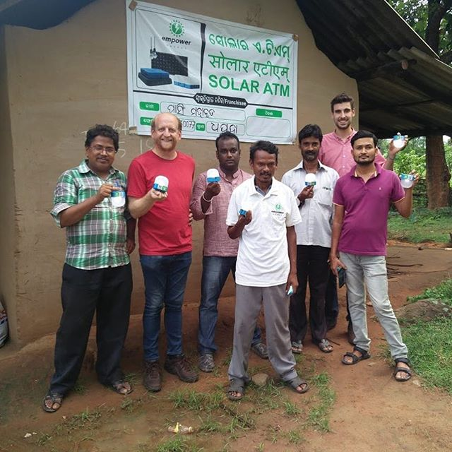⚡️Our Second Franchisee, Pasing Mahakud and the Empower Energy Team outside his local Solar ATM ⚡️ • Entrepreneurs like Pasing are empowered to solve their communities fundamental energy needs via these solar-powered charging stations. • His customers rent Empower products - Kerosene-replacing LED Lamps and battery packs to charge mobile phones - at INR 5-10 (the price of a small packet of crisps at a local shop)• See link in bio👆to Subscribe to Empower Energy today!  #empower #energy #india #odisha #solar #solarenergy #innovation #startup #lighting #charging #renewable