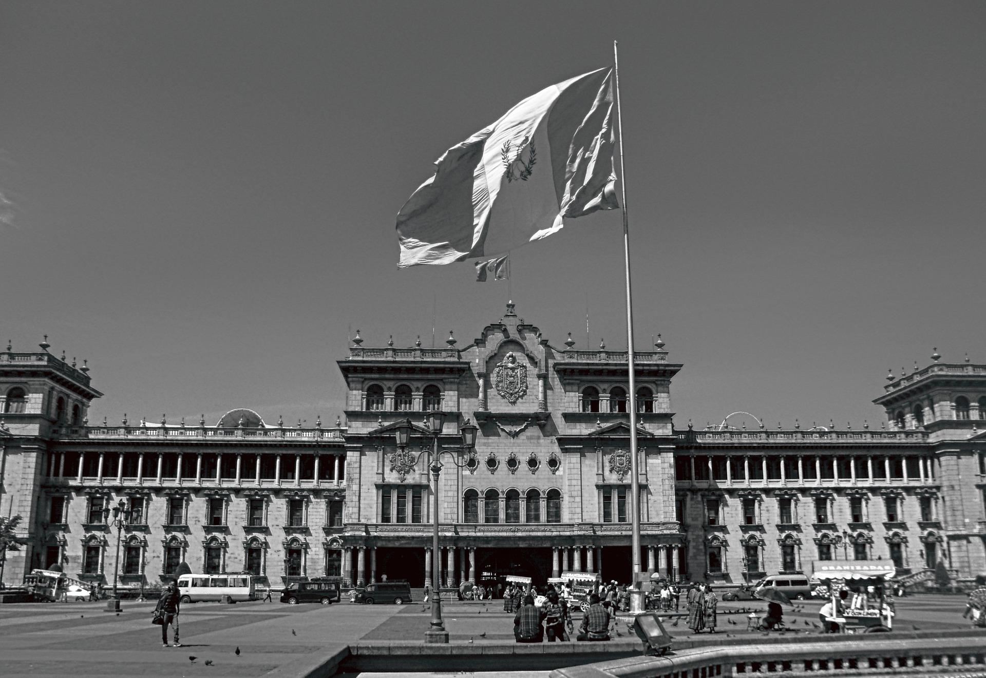 palace-2007334_1920.jpg