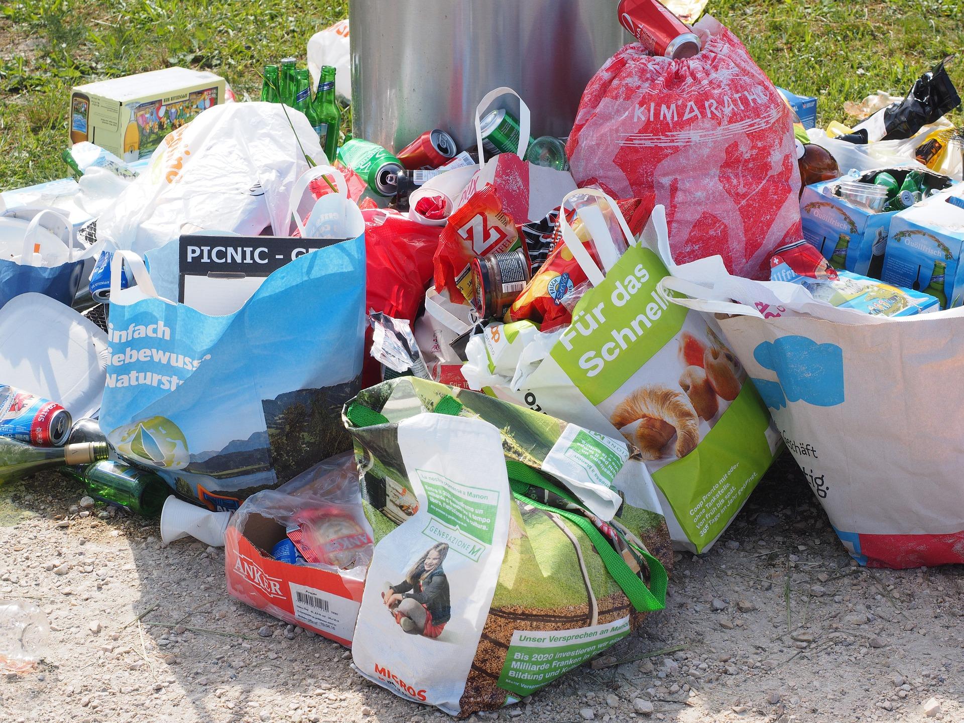 garbage-1260833_1920.jpg