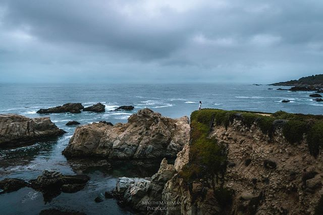 Living on the edge! This is one of the first photos to come out of Lightroom from @keavymiller1 's and my recent photography trip to California. What a beautiful state. It was cloudy the evening this shot was taken so that made for a pretty moody image. It was actually cloudy most of the mornings we went out😂 More photos on the way, as well as the landscape photography vlogs I filmed while here. Hope you all enjoy this one! • • • • • #trappingtones #creativeoptic #ig_color #ourcolourdays #capturedconcepts #forbiddenart #enter_imagination #artisanofimagery #agameof10k #tonekillers #houseoftones #theimaged #createandcapture #createcommune #acreativevisual #estheticlabel #shotzdelight #tourtheplanet #yourshotphotographer #tentree #depthobsessed #nightshooters #unlimitedsunset #visualcollective #caliinviteyou #californiacaptures #rawcalifornia #conquer_ca #clpicks #visitcalifornia