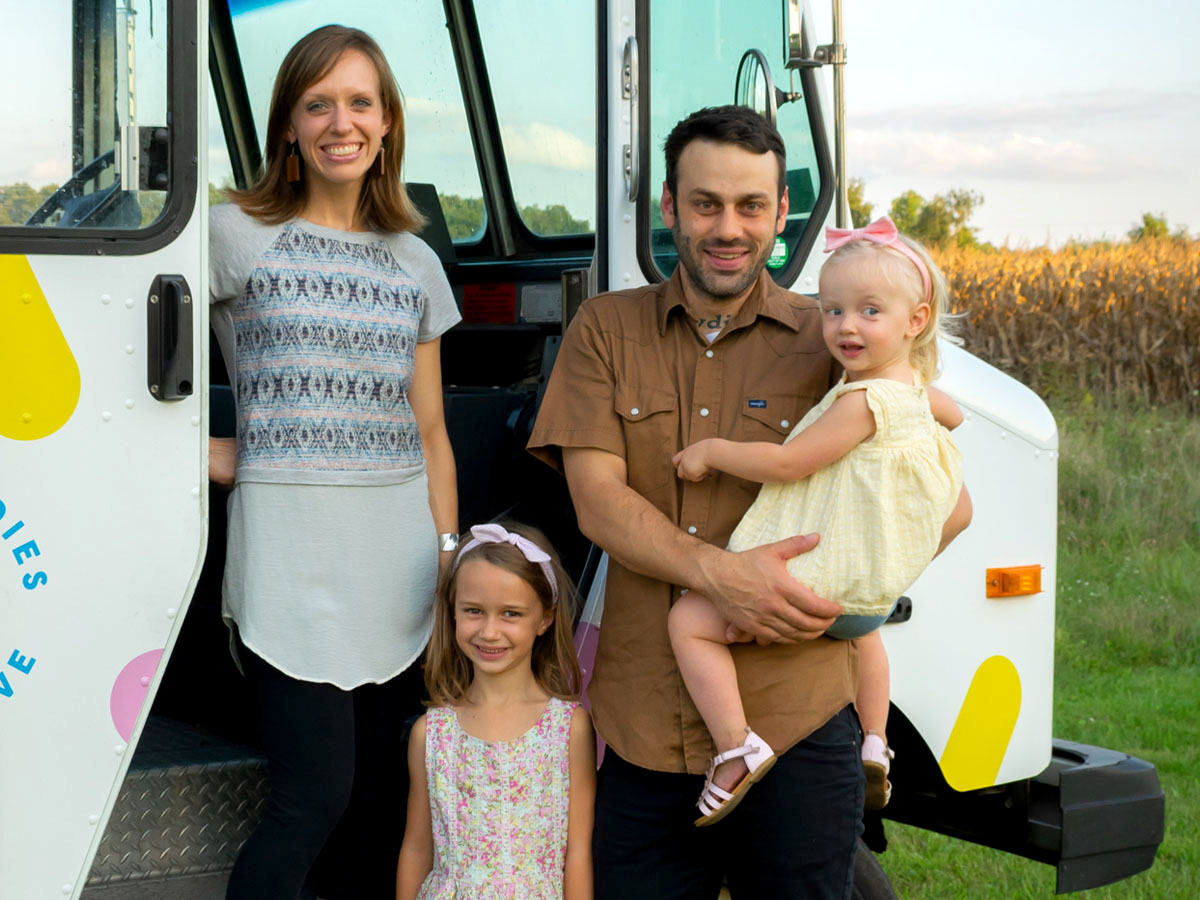 home-family2.jpg
