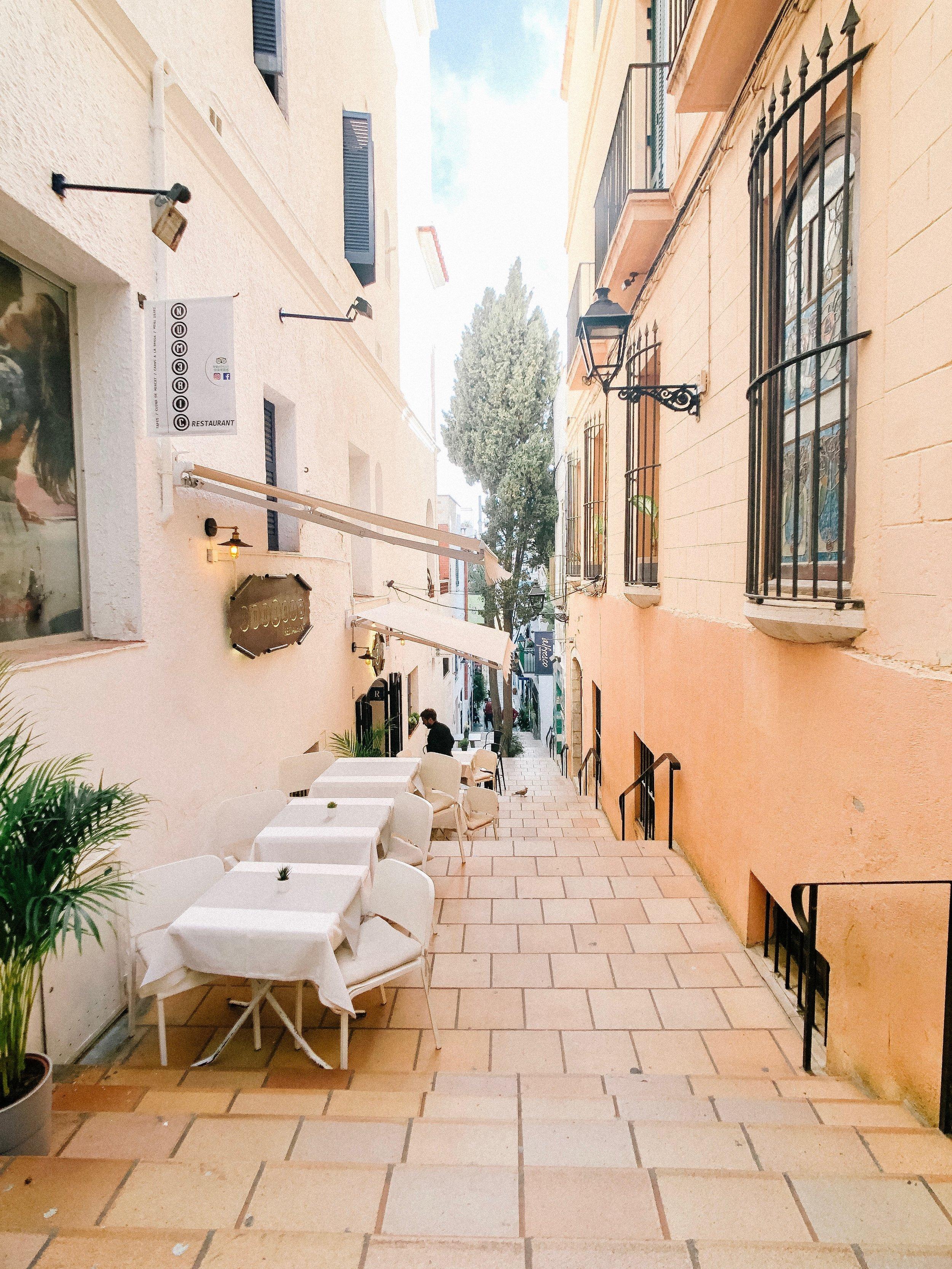 barcelona_honeymoon_sitges.jpg
